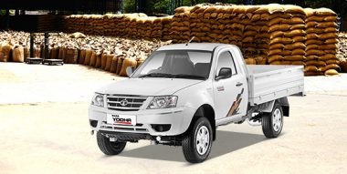 What is the Loading Capacity and Engine Specs of Tata Yodha Pickup?